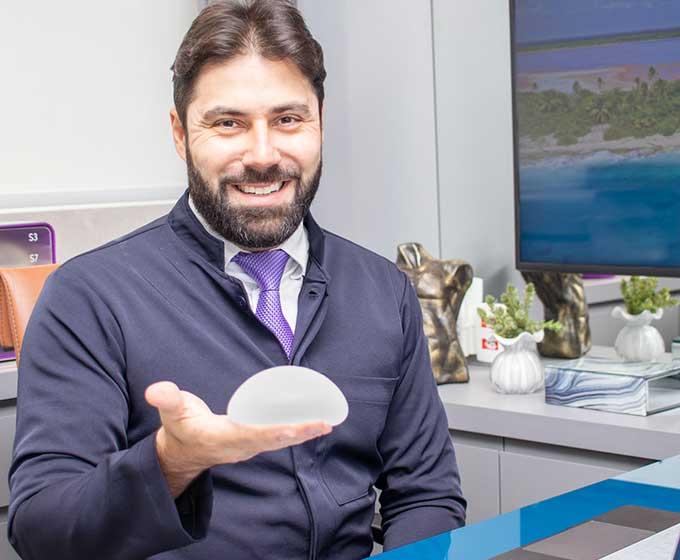 Dr. Roger Vieira